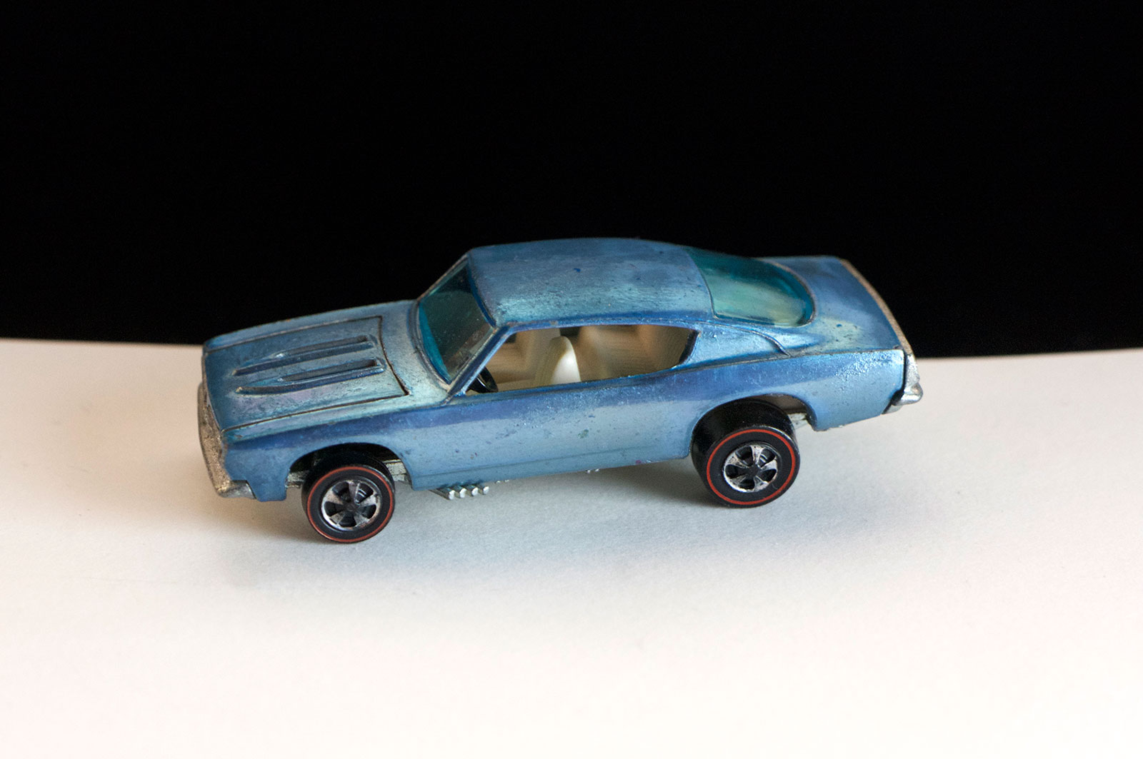 Hot Wheels Redline Light Blue White Interior Custom Barracuda HK