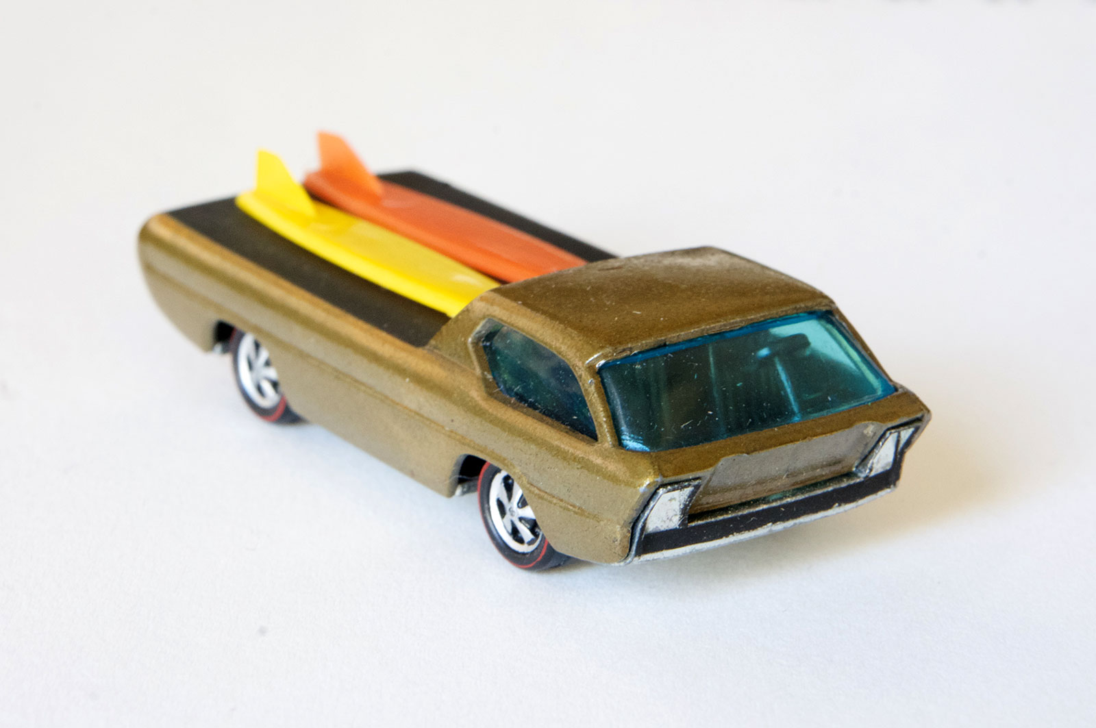 Hot Wheels Redline Early Production Gold Deora HK Painted Base #1
